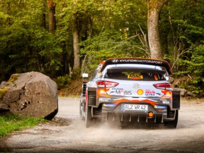Rally Spagna 2019: Sebastien Loeb torna col botto e comanda dopo le prime 6 speciali. Problemi per Ogier, Tanak vicino al titolo