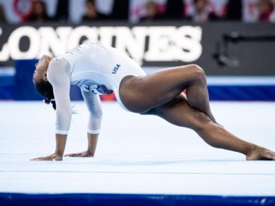 LIVE Ginnastica, Mondiali 2019 in DIRETTA: Simone Biles spaziale, doppietta dorata trave-corpo libero. La più medagliata della storia
