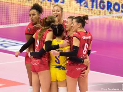Volley femminile, Serie A1 2019-2020: Busto Arsizio si sbarazza di Casalmaggiore per 3-0. Bergamo vince al tie-break a Caserta