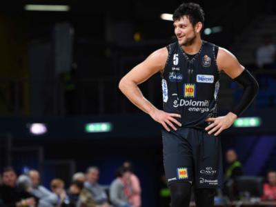 LIVE Trento-Buducnost 69-76, EuroCup basket in DIRETTA: la Dolomiti è condannata da un terzo quarto da incubo; si complica il discorso qualificazione