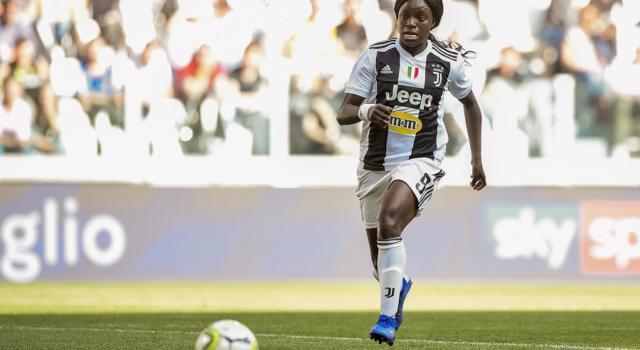 """Calcio femminile, Eniola Aluko rivela: """"Sono stanca di sentirmi come una ladra"""""""