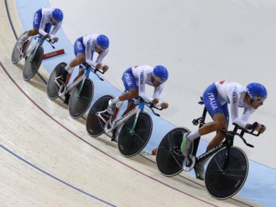 VIDEO Ciclismo su pista, Italia strepitosa nell'inseguimento: azzurri a 3 decimi dal record del mondo!