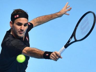 ATP Finals 2019: Roger Federer batte in due set Novak Djokovic eliminandolo dal torneo e si qualifica per le semifinali