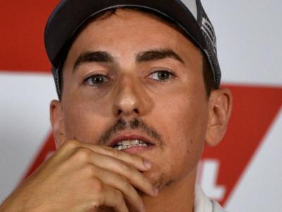 MotoGP, Jorge Lorenzo all'Aprilia nel 2021? Lo spagnolo potrebbe diventare il collaudatore della Casa di Noale