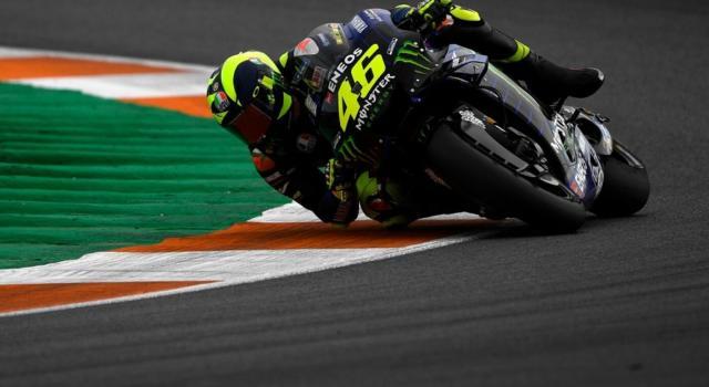 LIVE MotoGP, Test Valencia 2019 in DIRETTA: Viñales chiude davanti a Quartararo e Morbidelli. Rossi più indietro dopo i problemi al motore