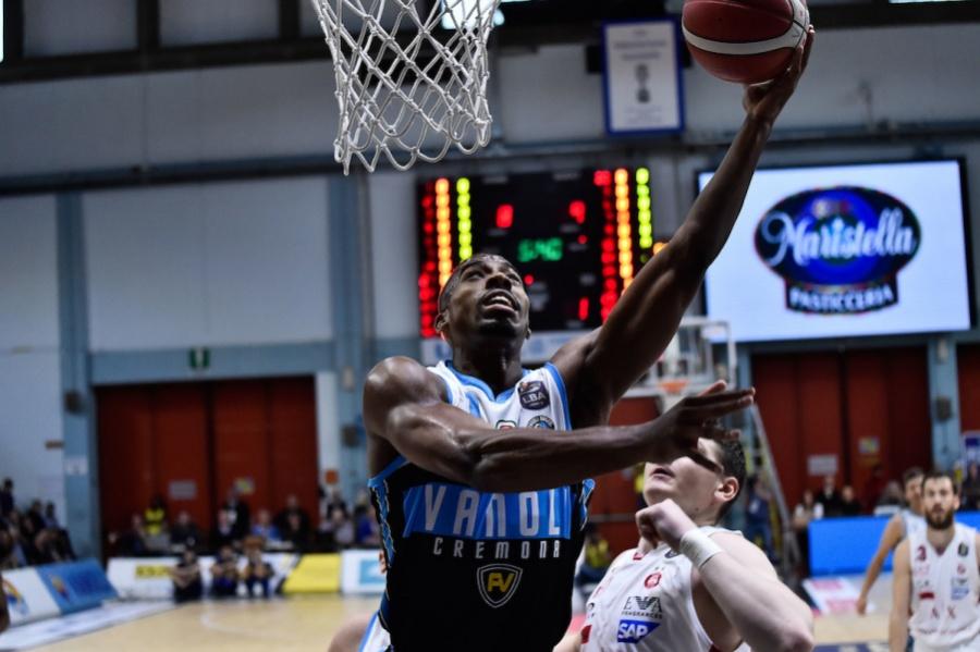 Basket, Serie A 2019-2020: Trento-Cremona 79-89, gli uomini di Sacchetti espugnano la BLM Group Arena - OA Sport