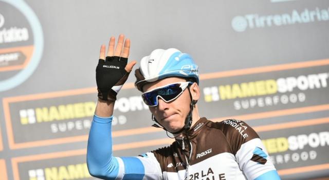 Ciclismo, cambio di programma per Romain Bardet: Il francese farà il Tour de France
