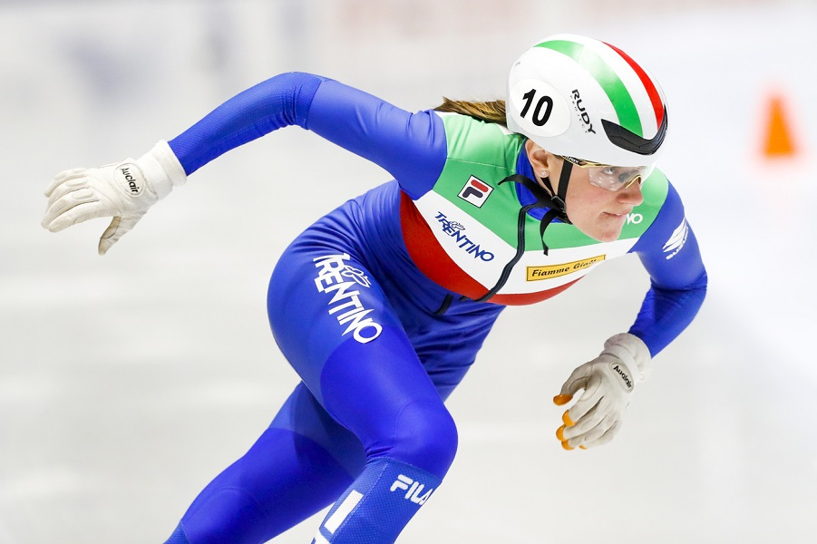 LIVE Short track, Europei 2021 in DIRETTA: azzurre in semifinale nei 1500, Sighel vince la sua batteria!