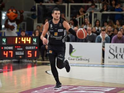 LIVE Trento-Virtus Roma, Serie A basket in DIRETTA: grandissima rimonta della Virtus nell'ultimo periodo, i capitolini espugnano la BLM Gruoup Arena per 82-88!