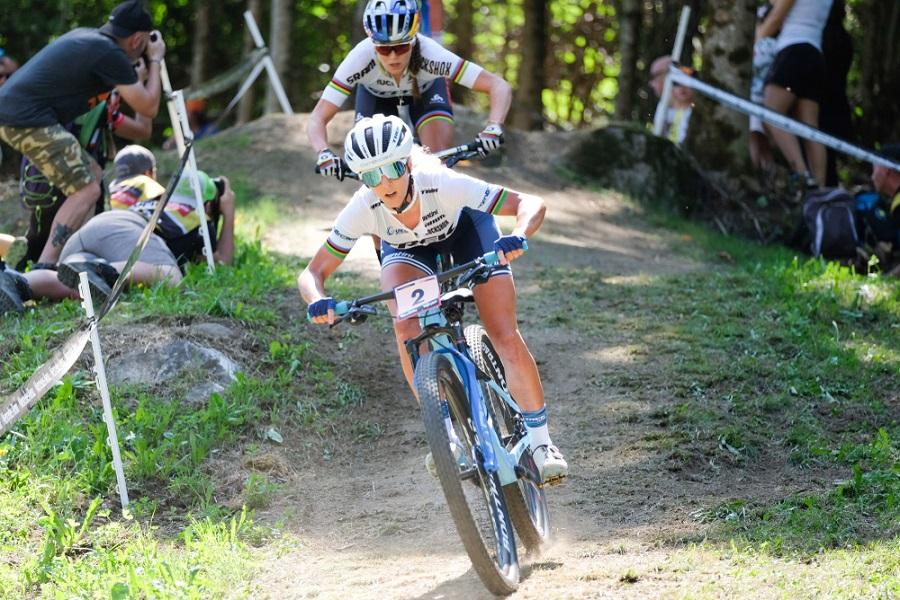 Mountain bike, Olimpiadi Tokyo: è dominio svizzero! Oro per Jolanda Neff davanti a Frei e Indergand