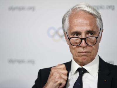 """Italia alle Olimpiadi senza bandiera e inno? Rischio sanzione, Giovanni Malagò: """"Imbarazzante, speriamo in una soluzione"""""""