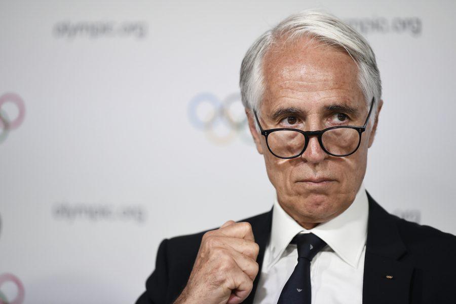 Italia alle Olimpiadi senza bandiera né inno: imminente la sanzione del CIO. La causa