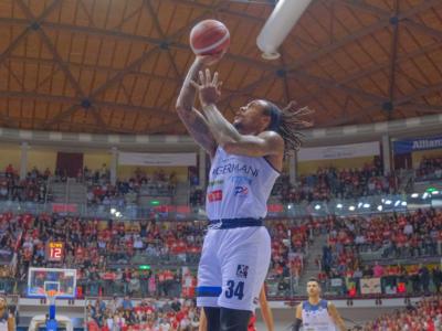 Basket, EuroCup 2019-2020: Darussafaka-Brescia 61-70, la Leonessa resta in corsa
