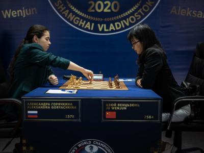 Mondiale femminile di scacchi 2020: Ju Wenjun difende il titolo agli spareggi. Alexandra Goryachkina si arrende con onore