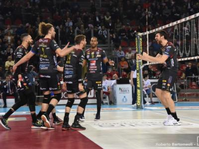 Volley, SuperLega sospesa ma possibili play-off scudetto in estate. La decisione della Lega Pallavolo