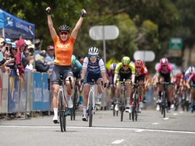 Ciclismo, Santos Women's Tour Down Under 2020: Chloe Hosking rispetta i pronostici della vigilia e va a segno a Macclesfield