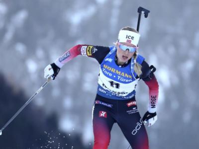 Biathlon, Tiril Eckhoff torna regina nella mass start di Nové Město 2020. Dorothea Wierer limita i danni col quinto posto