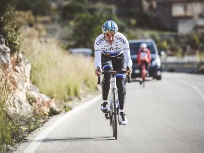Ciclismo, Elia Viviani prepara il rientro alle corse a 2250 metri d'altitudine. Un mese a Trepalle prima della Sanremo