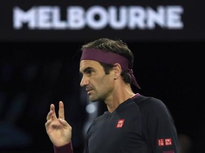 LIVE Federer-Sandgren 6-3 2-6 2-6 7-6 6-3, Australian Open 2020 in DIRETTA: vittoria epica al quinto dello svizzero