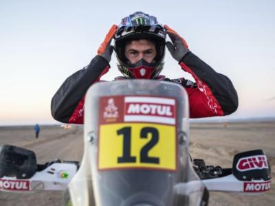 Dakar 2020, risultato decima tappa moto: Joan Barreda Bort vince una frazione accorciata per il vento, nono Maurizio Gerini