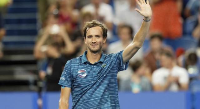 Tennis, ATP Marsiglia 2020: Medvedev, Shapovalov e Auger-Aliassime ai quarti di finale, Sinner eliminato con onore