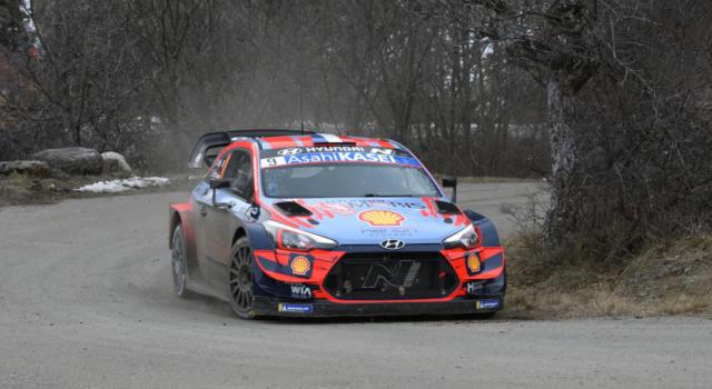 Rally Turchia 2020: Sebastien Loeb chiude in vetta la prima giornata davanti a Neuville e Ogier