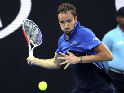 Australian Open 2020, risultati 23 gennaio (mattina): Medvedev e Zverev vincono senza problemi. Thiem avanza a fatica