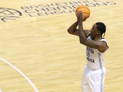 Basket, Champions League 2020: Stone fa impazzire Brindisi. Vittoria allo scadere contro il Paok
