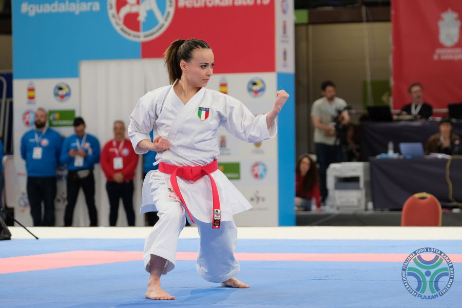 LIVE Karate, Olimpiadi Tokyo in DIRETTA: Viviana Bottaro, aria di bronzo! Angelo Crescenzo fiuta l'impresa