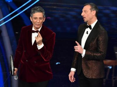 Sanremo 2020, i favoriti per la vittoria finale e la classifica parziale. Gabbani in pole, le band lo tallonano