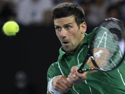 "LIVE Djokovic-Thiem 6-4 4-6 2-6 6-3 6-4, Finale Australian Open in DIRETTA. L'austriaco: ""Tu, Federer e Nadal siete irreali"""