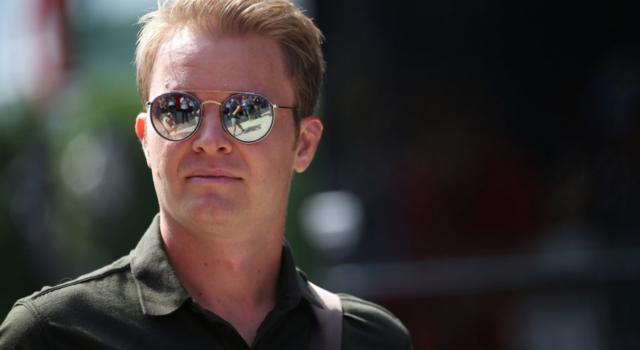 """F1, Nico Rosberg attacca Max Verstappen: """"Ha commesso troppi errori, Lewis Hamilton ha fatto la differenza"""""""