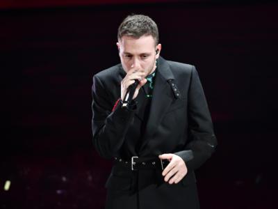 """VIDEO Anastasio Sanremo 2020, l'esibizione in finale con """"Rosso di rabbia"""""""