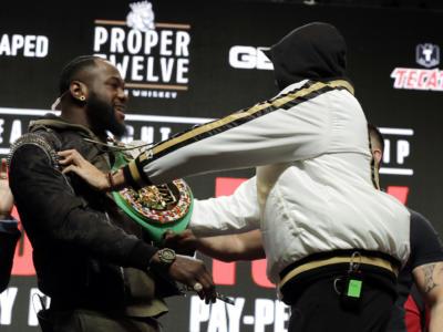 Boxe, ci sarà il terzo atto tra Tyson Fury e Deontay Wilder: nuova sfida il 18 luglio