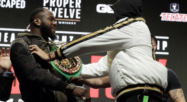 VIDEO Fury-Wilder, Mondiale WBC pesi massimi: highlights e sintesi. Il britannico trionfa per ko, demolito l'avversario
