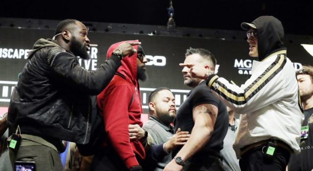 Deontay Wilder-Tyson Fury, la notte rovente del Mondiale dei pesi massimi: rivincita incandescente per la corona WBC