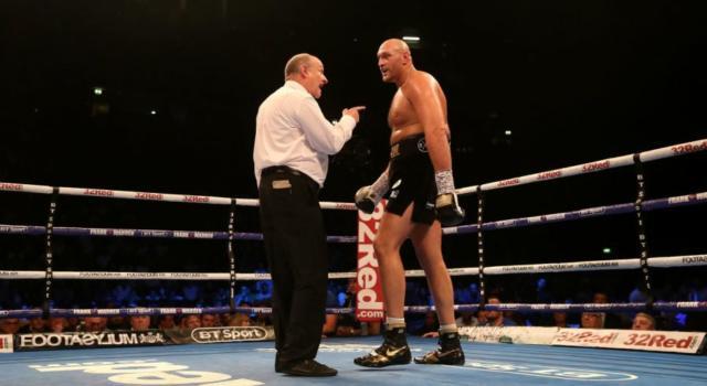 Boxe, chi è Tyson Fury: età, carriera, record, vita privata. Gipsy King sfida Deontay Wilder per il Mondiale dei pesi massimi