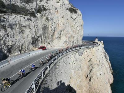 Trofeo Laigueglia 2020: Colla Micheri e Capo Mele i punti decisivi. Presenti Visconti, Ciccone, Velasco e Vendrame