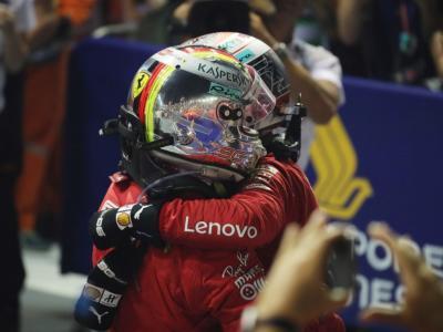 """F1, Vettel e Leclerc si scambiano i caschi con dediche. Il tedesco a Charles: """"Sei il maggior talento che ho incontrato"""""""