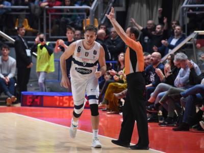 LIVE Fortitudo Bologna-Virtus Roma 95-92, Serie A basket in DIRETTA: la Effe ha la meglio sui romani che perdono così l'ottava in fila