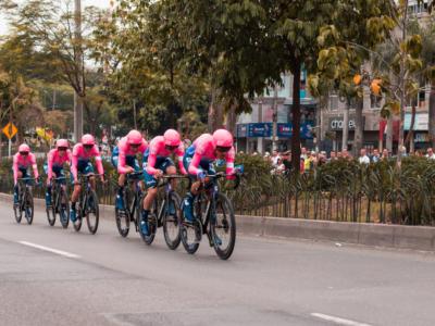 Tour of Colombia 2020, risultato prima tappa: una scatenatissima EF si aggiudica la cronosquadre di Tunja. A 45″ la Deceuninck-Quick Step e il Team Ineos