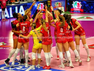 Volley femminile, Busto Arsizio vola ai quarti di finale della CEV Cup. Le Farfalle battono il Resovia al golden set!