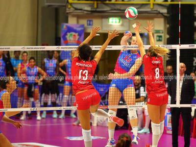 LIVE Busto Arsizio-Monza 3-0 , Semifinale Coppa Italia volley in DIRETTA: le bustocche volano in finale, sarà sfida con Conegliano per il titolo!