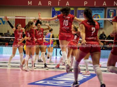 LIVE Conegliano-Busto Arsizio 3-0, Finale Coppa Italia volley femminile in DIRETTA: Pantere sontuose, le Farfalle si devono inchinare!