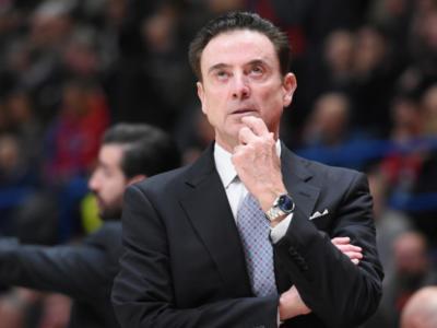 Basket: Rick Pitino tornerà ad allenare al college, a Iona, nella prossima stagione, ma vuole mantenere gli impegni con Panathinaikos e Grecia