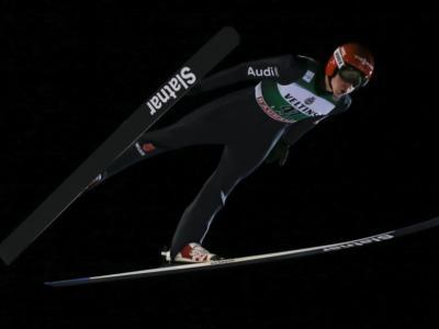 Salto con gli sci: Constantin Schmid vince una strana qualificazione a Oslo per aprire il Raw Air 2020. 6° Kraft, indietro gli altri big