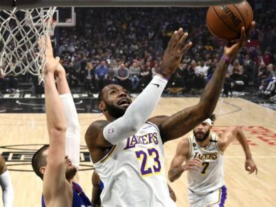NBA 2020, i risultati della notte (9 marzo). LeBron James e Anthony Davis trascinano i Lakers, varie le sorprese. Bene Gallinari e Melli
