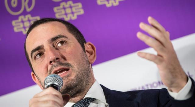 """Sport chiuso in Italia fino al 30 aprile. Spadafora: """"Domani proporró la proroga del blocco totale. Serie A non ripartirà il 3 maggio"""""""