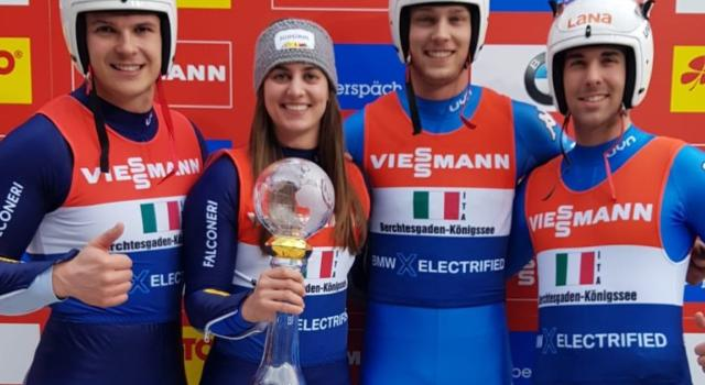 Slittino, succede di tutto nel team relay. L'Italia vince la Coppa del Mondo a pari merito con la Russia nonostante un ribaltamento
