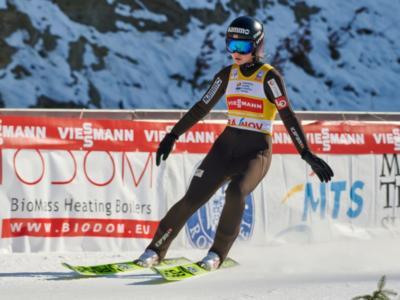 Salto con gli sci femminile: Lundby, caos e vittoria su Opseth a Lillehammer. Terzo posto per Hoelzl, che perde terreno in Coppa del Mondo 2020
